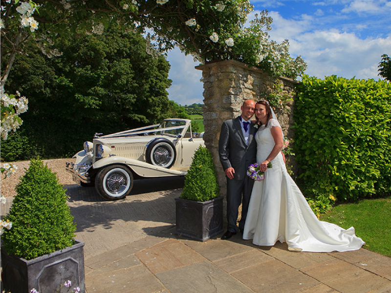 vintage-convertible-wedding-car-Bristol